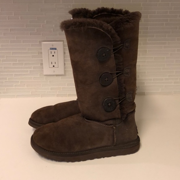 72aadbb72a5 Chocolate brown 3 button tall ugg boots